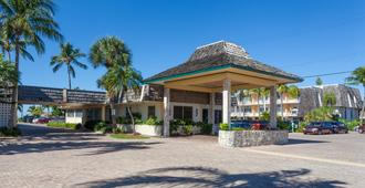 Outrigger Beach Resort - Fort Myers Beach - Building