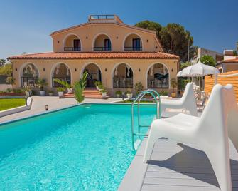 Villa Sunset Bed & Breakfast - Fontane Bianche - Pool