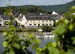 Winzerhotel - Restaurant zum Moselstrand - Cochem - Toà nhà