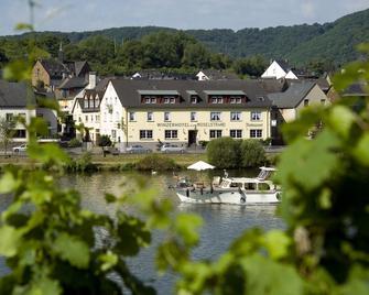 Winzerhotel - Restaurant Zum Moselstrand - Cochem - Gebäude