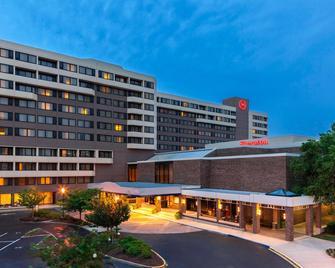 Sheraton Norfolk Waterside Hotel - Norfolk - Building
