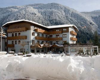 Hotel Ariston - Molveno - Gebouw