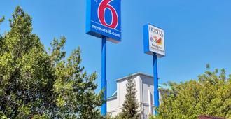 Motel 6 San Francisco Redwood City - Belmont - Edificio