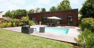 Les Crays De Levigny - Mâcon - Pool