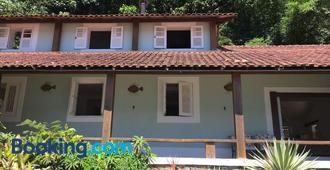 Bonito Paraiso Ilha Grande - Vila do Abraao - Building