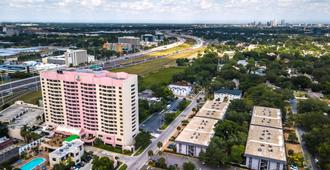 Embassy Suites by Hilton Tampa Airport Westshore - Tampa - Building