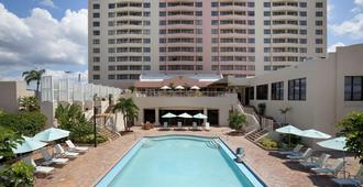 Embassy Suites by Hilton Tampa Airport Westshore - Tampa - Zwembad