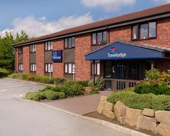 Travelodge York Tadcaster - Tadcaster - Building