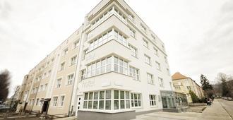So Stay Hotel - גדנסק - בניין