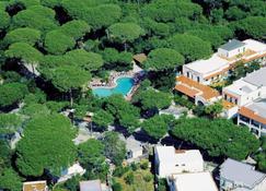 Hotel Pineta - Ischia - Outdoor view