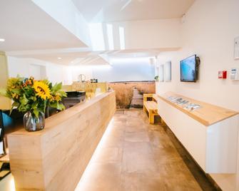 Le Val d'Arimont Hotel - Malmédy - Front desk