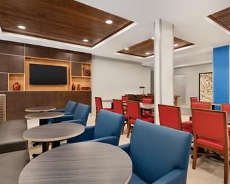 Holiday Inn Express Hotel & Suites Lavonia, An IHG Hotel - Lavonia - Restaurace