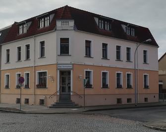 Gasthaus & Hotel Zum Torwächter - Pritzwalk - Building