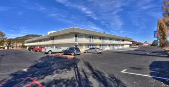 Motel 6 Flagstaff Butler Avenue - Flagstaff - Κτίριο