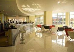 University Plaza Waterfront Hotel - Stockton - Baari