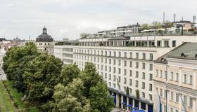 Hotel Bayerischer Hof - Monaco di Baviera - Vista esterna