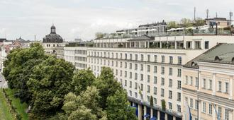 Hotel Bayerischer Hof - Munich - Outdoors view