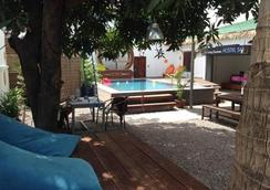 The Living Quarters Hostel 543 - Siem Reap - Pool