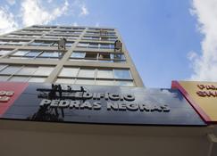 Apartamento próximo rodoviária faculdade - Curitiba - Edificio