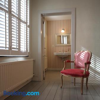 Guesthouse Alizée - Leuven - Living room