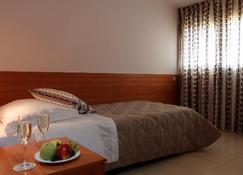 Hotel Sirio - Ivrea - Camera da letto