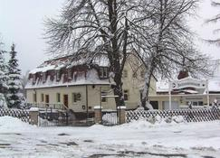 بنسيون آند جاستهاوس تشيرنشتاينباودي - Reinhardtsdorf - مبنى