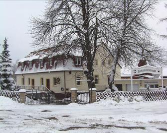 Pension&Gasthaus Zschirnsteinbaude - Reinhardtsdorf - Building