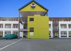 B&B Hotel Auxerre Bourgogne - Auxerre - Gebäude