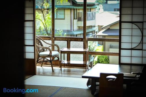 Historical Ryokan Hostel K's House Ito Onsen - Itō - Ban công