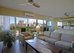 Castle Waikiki Shore - Honolulu - Living room