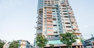 Jiuwu Hotel - Luodong - Edificio