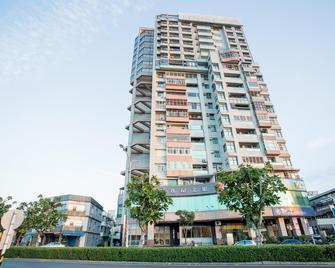 Jiuwu Hotel - Luodong - Gebäude