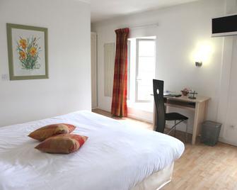 Le Continental Hotel - Condom - Bedroom