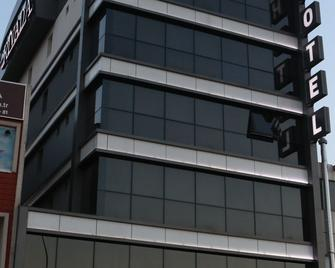 Rivada Hotel - Kartepe - Building