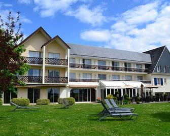 Best Western Plus Hôtel Le Roof - Vannes - Building