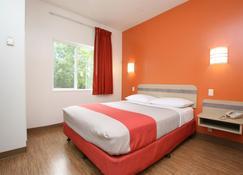 Motel 6 Burlington - Colchester - Colchester - Bedroom