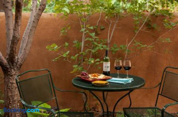 Four Kachinas Bed & Breakfast Inn - Santa Fe - Patio