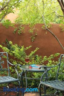 Four Kachinas Bed & Breakfast Inn - Santa Fe - Patio
