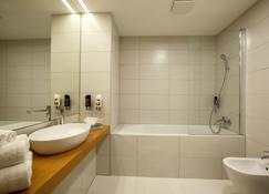 Hotel Rajka - Valašské Meziříčí - Bathroom