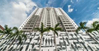Fortune House Hotel Suites - Miami - Building