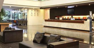 Novotel Manado Golf Resort & Convention Center - Manado - Ρεσεψιόν