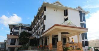 Ayara Grand Palace Hotel - פיצאנולוק