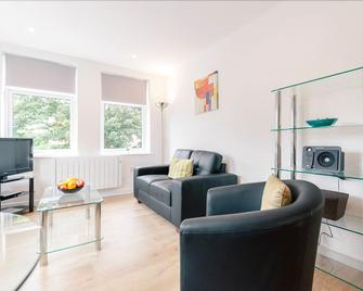 Roomspace Apartments -Swan House - Leatherhead - Living room