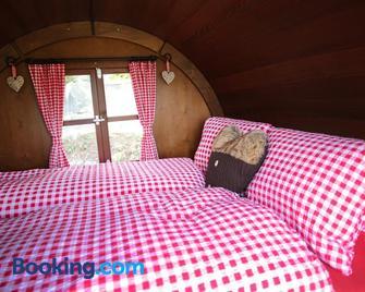 Schlaf-Fass Maienfeld - Maienfeld - Schlafzimmer