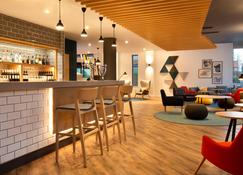 Holiday Inn Express Cheltenham Town Centre - Cheltenham - Bar