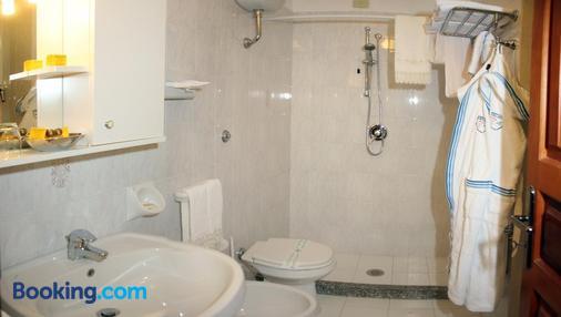 Punta Chiarito Resort - Forio - Bathroom