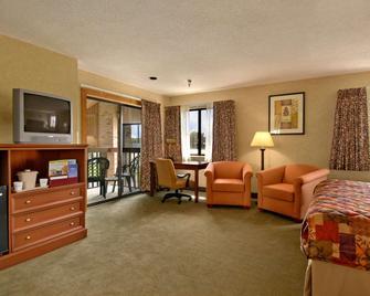Baymont by Wyndham Tuscola - Tuscola - Living room