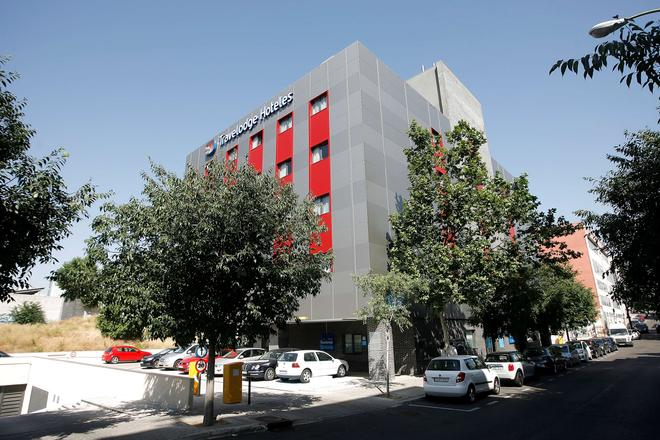 Travelodge Madrid Alcalá - Madrid - Building