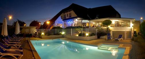 Hotel Les Peyrières - Rodez - Πισίνα