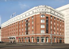 Ramada by Wyndham Belfast City Centre - Белфаст - Building